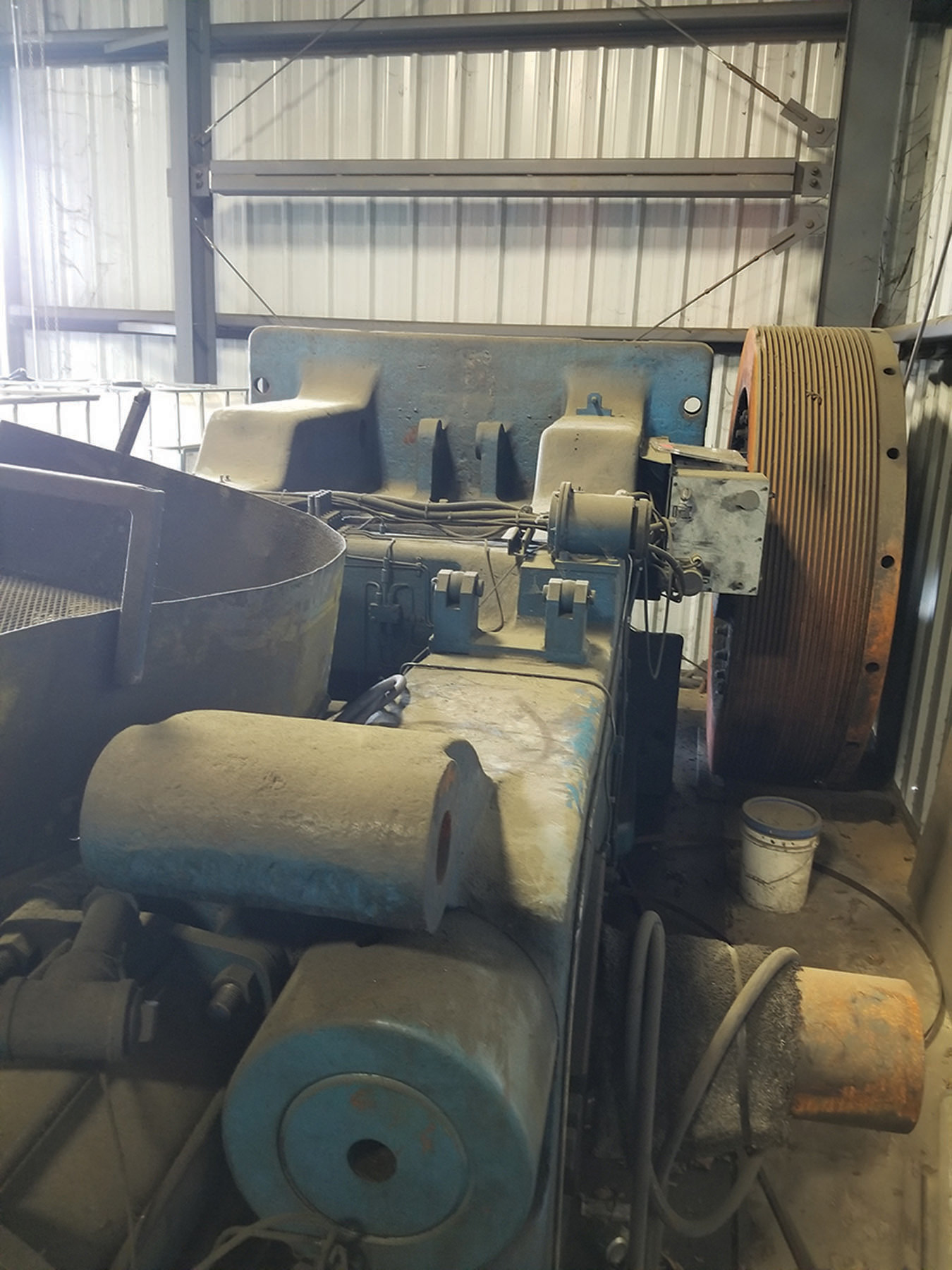 Lot 25 - NATIONAL 1300-TON PRESS, REMOVED FROM SERVICE, NEW FLYWHEEL, S/N 21153 ***$5,500.00 RIGGING FEE***