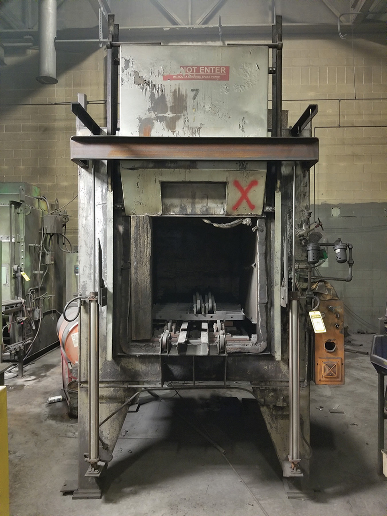 Lot 39 - SURFACE CONVECTION TEMPERING FURNACE, S/N BC-41023-1, TEMPS MAX 1,400F/MIN 350F,460V/3PH/60H,