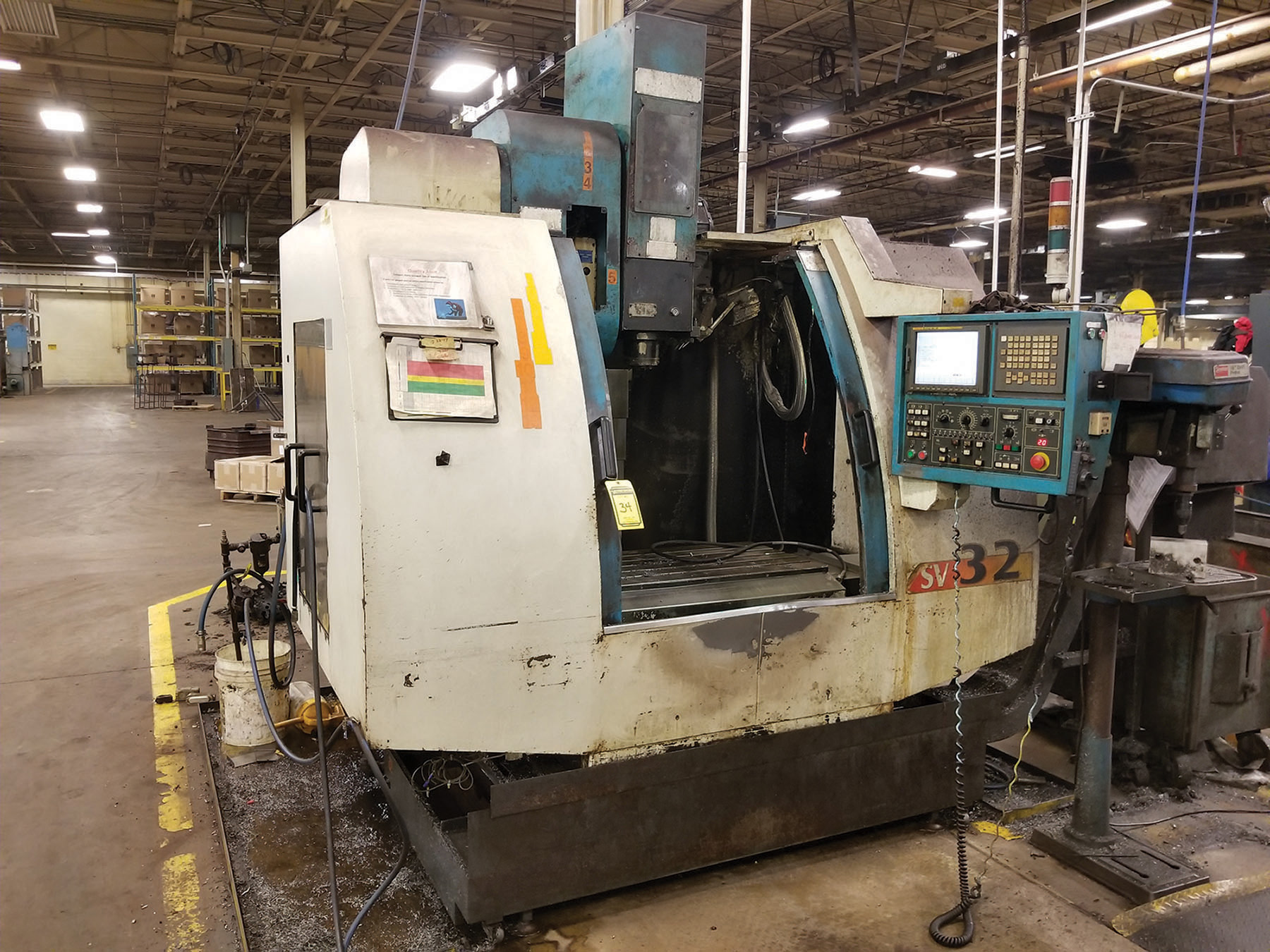 Lot 34 - 2002 JOHNFORD SUPER VERTICAL SV-32 VERTICAL MACHINING CENTER, 4-AXIS, S/N MB2302, 17.5'' X 39.25''