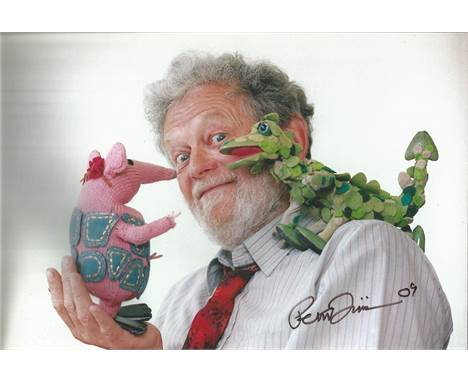 Peter Firmin 12 x 8 photo signed by Noggin The Nog, Ivor The Engine and Bagpuss Creator And Artist, The Late Peter Firmin. Go