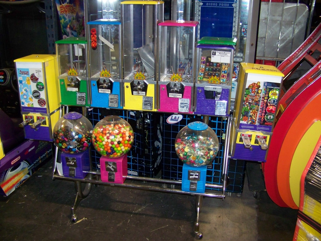 Lot 7 - NORTHWESTERN MULTI COLOR SENTINEL BULK RACK Item is in used condition. Evidence of wear and