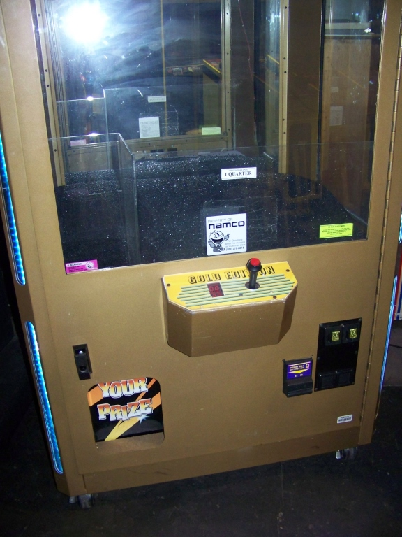 "Lot 1 - 42"""" JEWELRY CRANE SMART GOLD EDITION Item is in used condition. Evidence of wear and commercial"