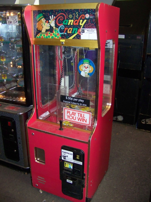 "Lot 46 - 24"""" SMART CLEAN SWEEP CANDY CRANE MACHINE Item is in used condition. Evidence of wear and"