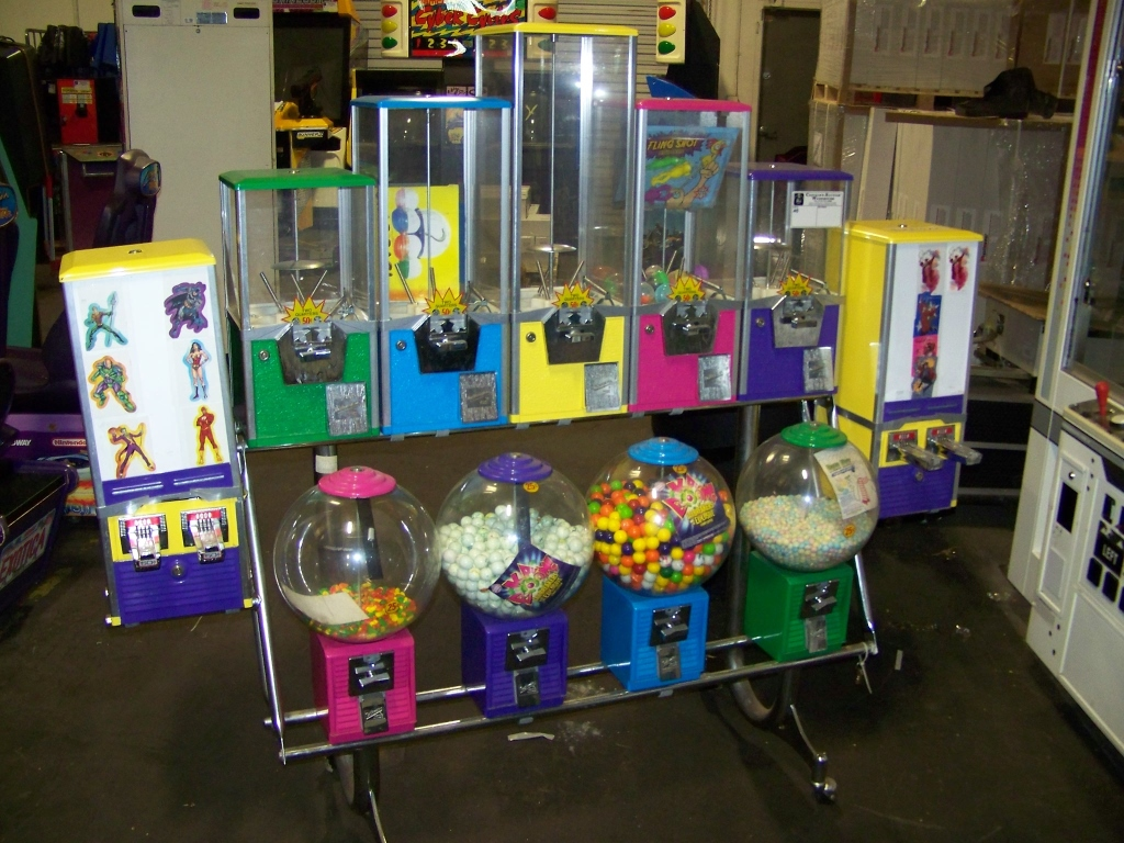 Lot 8 - NORTHWESTERN MULTI COLOR BULK CANDY RACK Item is in used condition. Evidence of wear and
