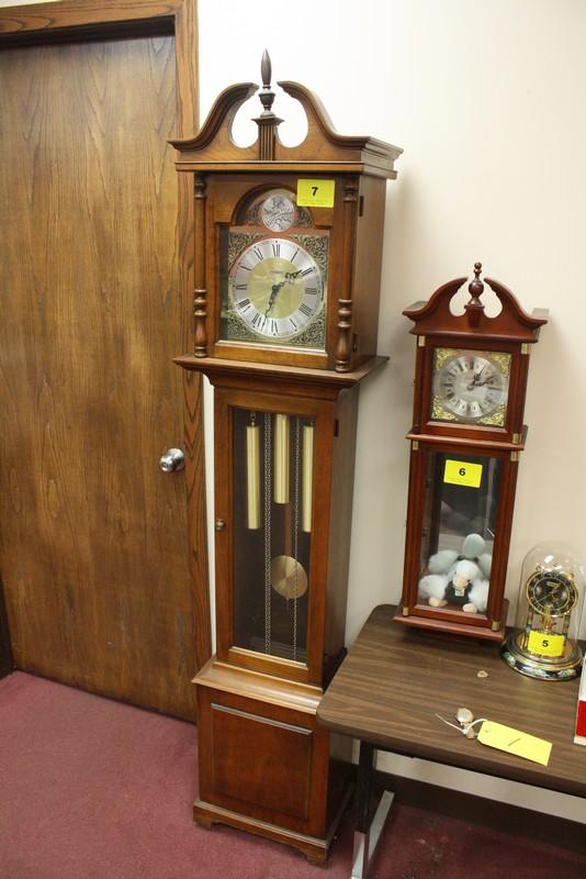 lot 7 howard miller tempus fugit grandfather clock