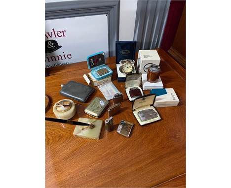 A selection of various collectable lighters and various odds. To include Ronson Varaflame gas lighter with box, Dalvey travel