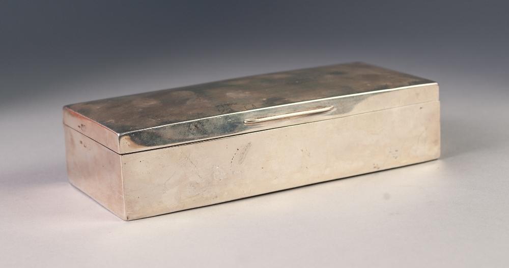 EDWARDIAN SILVER CEDAR LINED CIGARETTE BOX, London 1903 (as found)