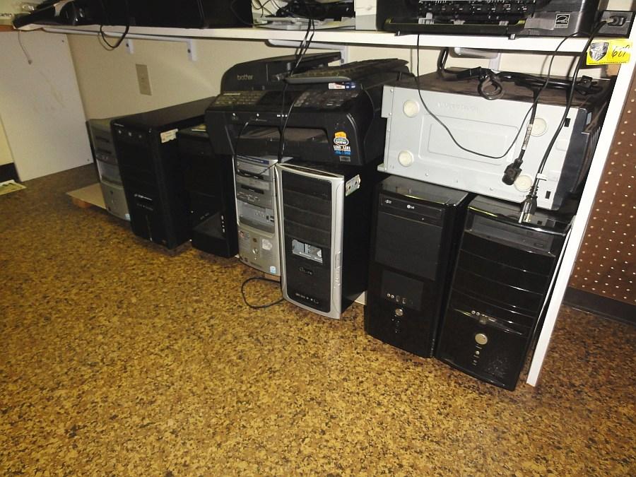Lot 629 - Lot of Computer Parts