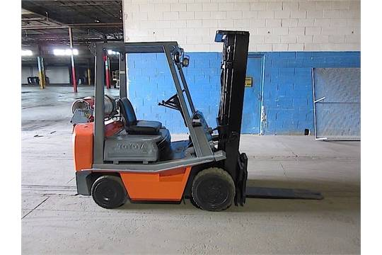 Toyota 62 4fgc25 Forklift 5 000 Lbs Capacity 3 Stage