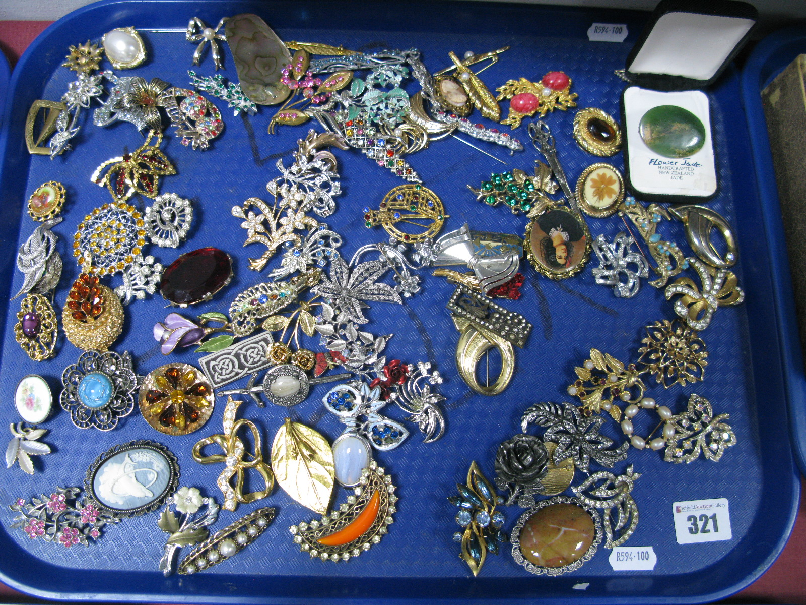 Lot 321 - A Mixed Lot of Assorted Costume Brooches, including cameo style, floral sprays, marcasite style,