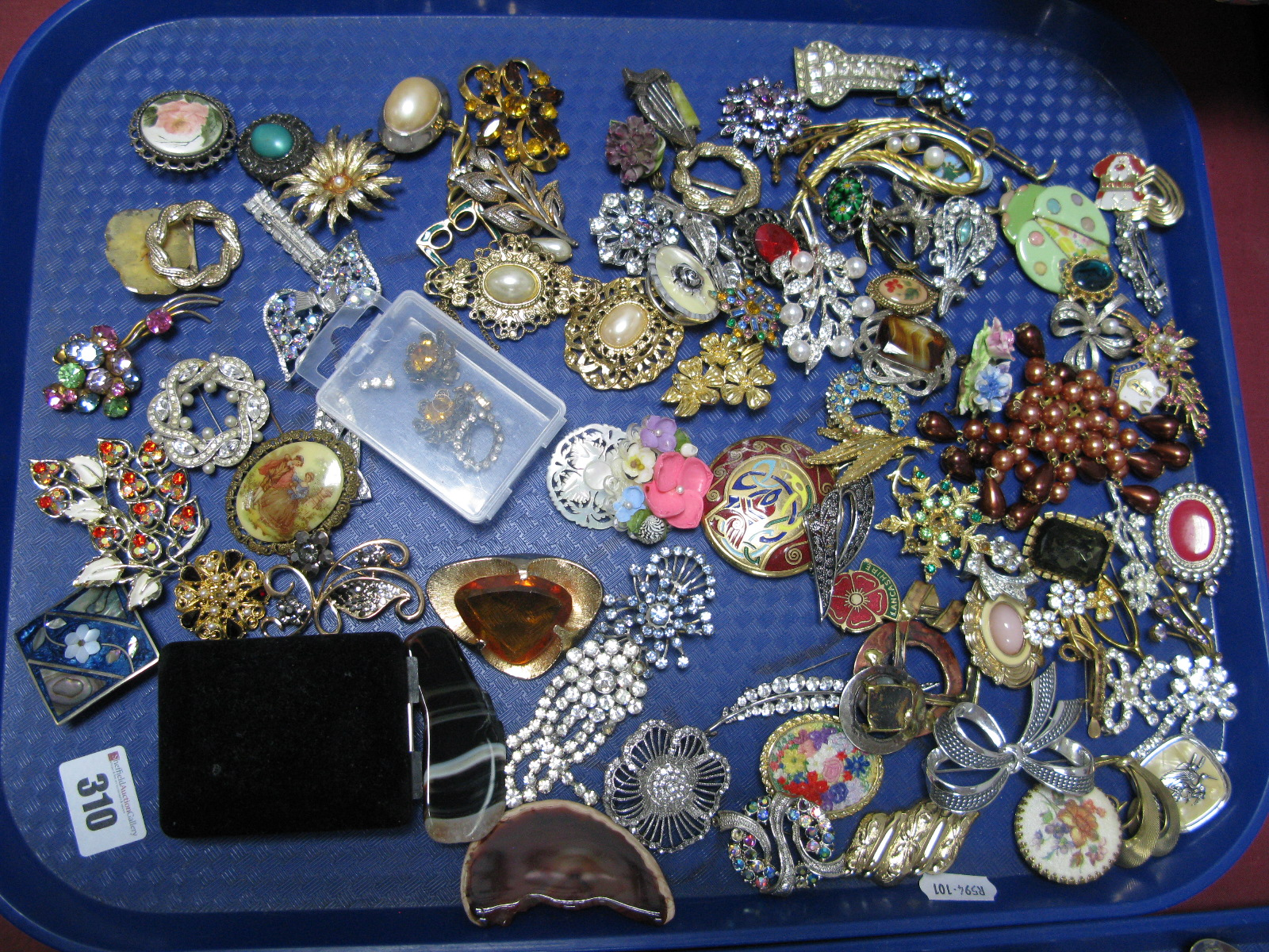 """Lot 310 - A Mixed Lot of Assorted Costume Brooches, including floral sprays, Celtic style, """"Alpacha Mexico"""""""