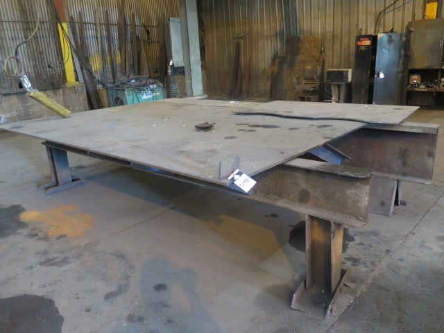 Lot 548 - Welding Table