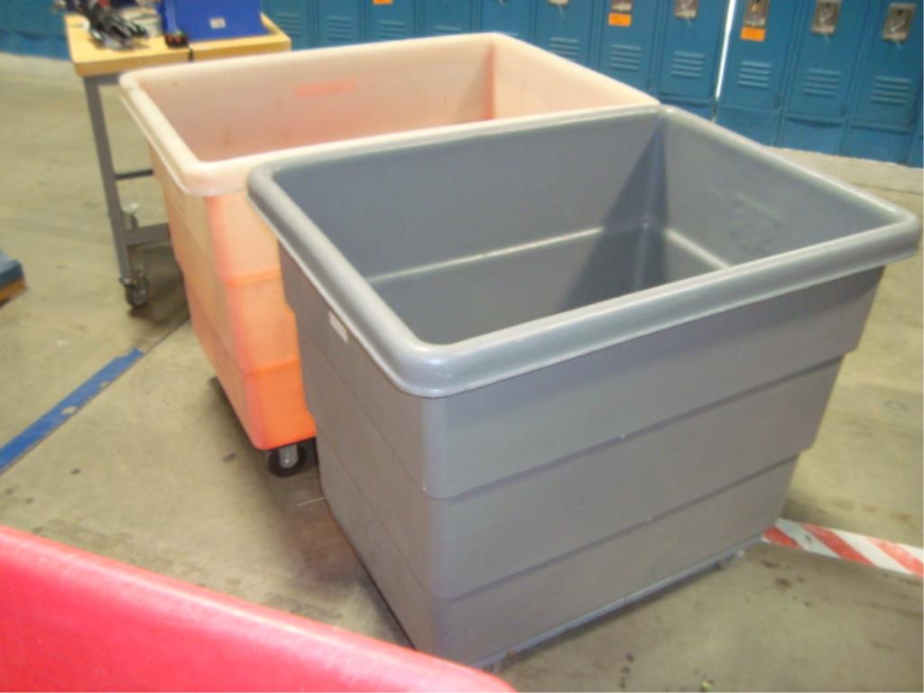 Mobile Poly Bulk Materials Handling Trucks - Image 3 of 6