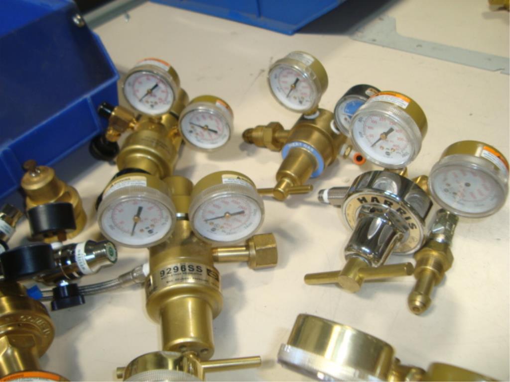Gas Regulators - Image 5 of 8