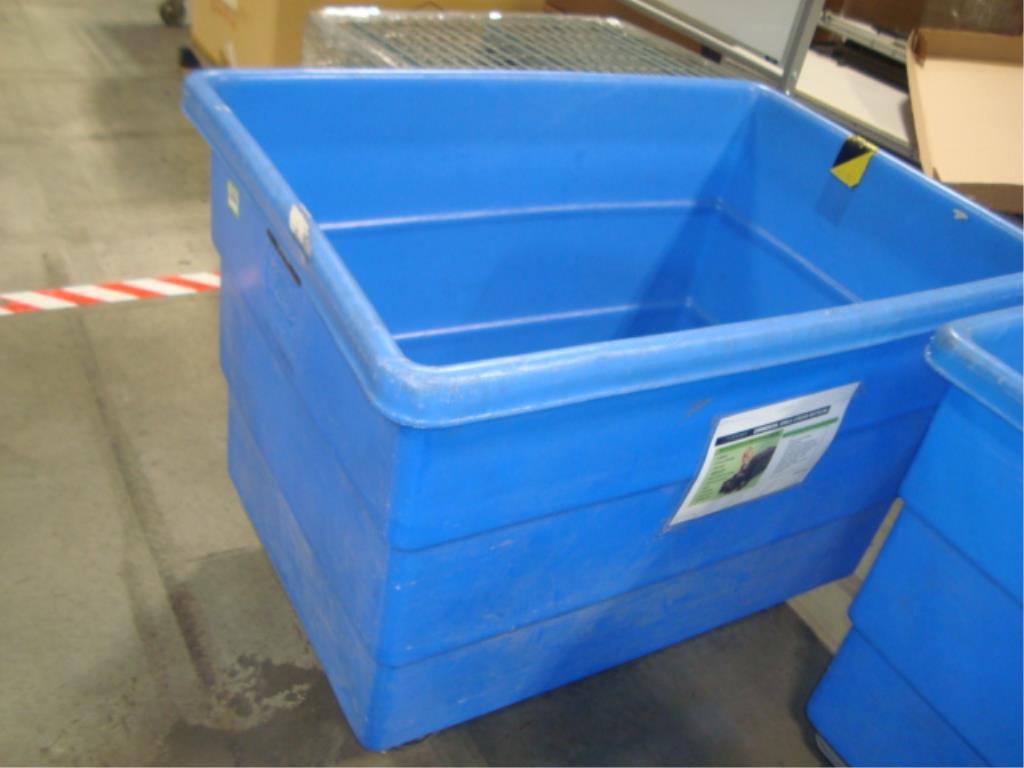 Mobile Poly Bulk Materials Handling Truck - Image 3 of 8