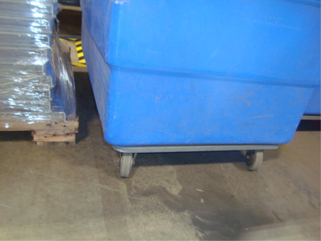 Mobile Poly Bulk Materials Handling Truck - Image 8 of 8