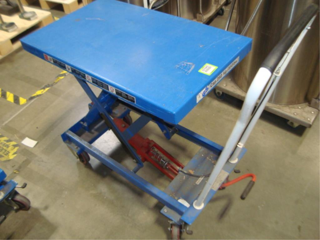 Hydraulic Lift Table - Image 6 of 10