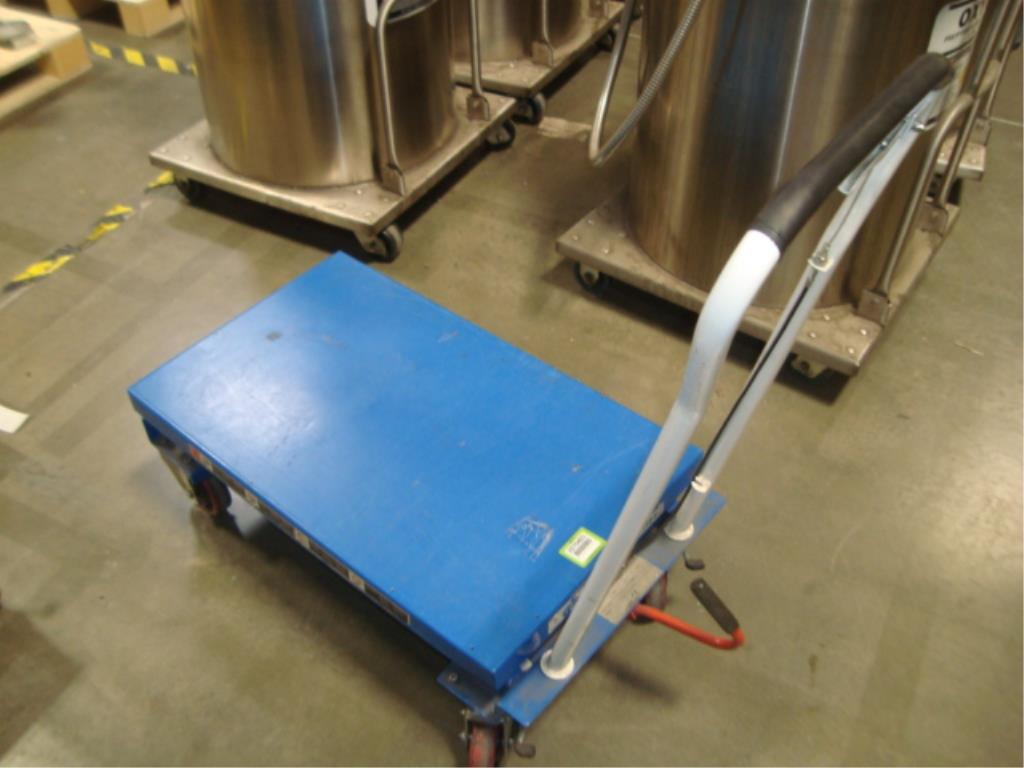 Hydraulic Lift Table - Image 4 of 10