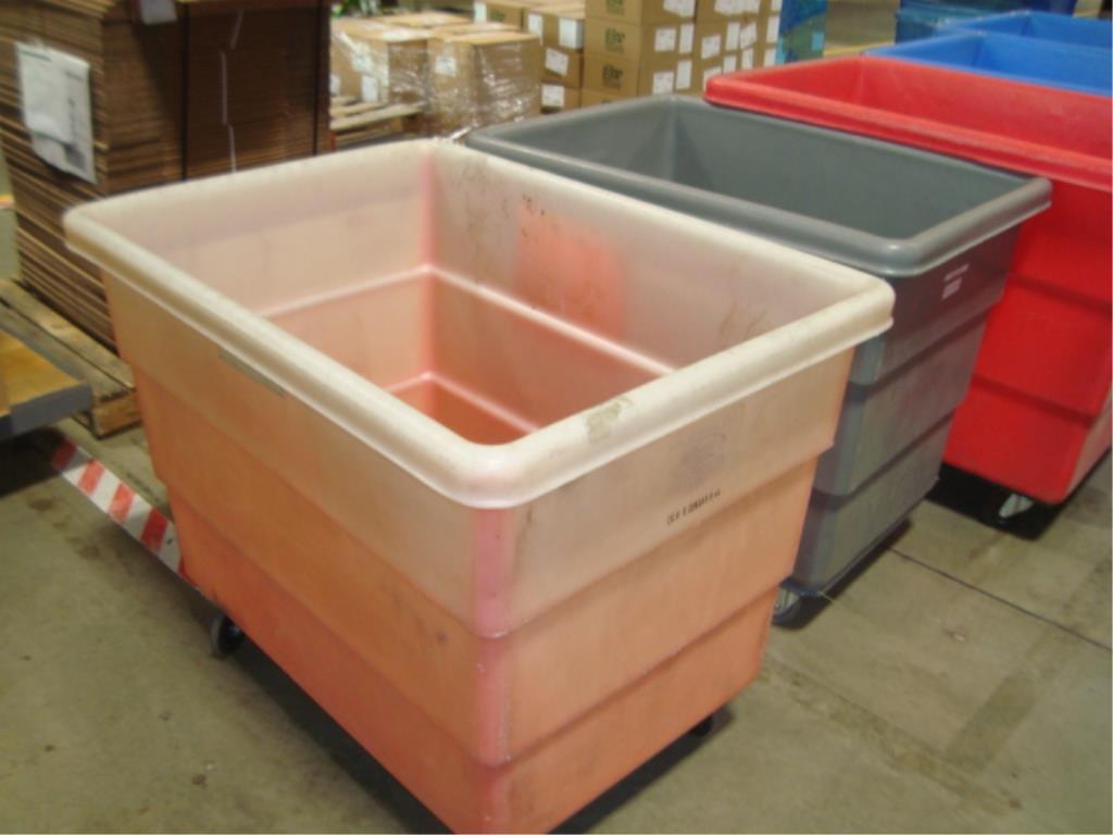 Mobile Poly Bulk Materials Handling Trucks - Image 6 of 6