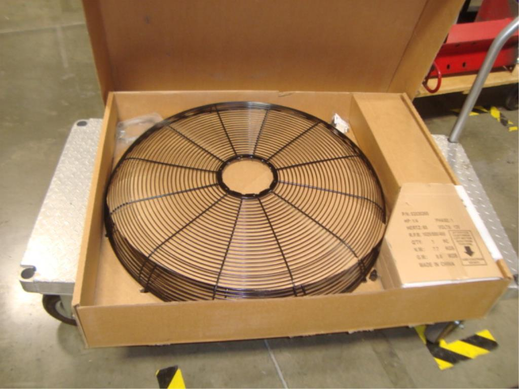 "30"" Oscillating Fan (Unused) - Image 4 of 16"