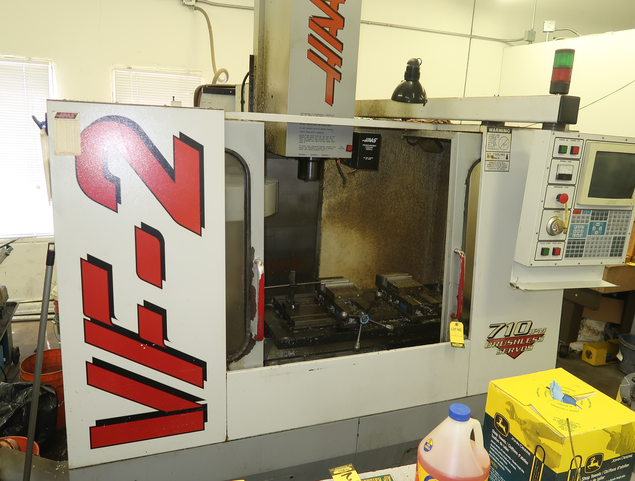 HAAS VF2 CNC MACHINING CENTER, SN. 7859 W/(2) KURT VISES