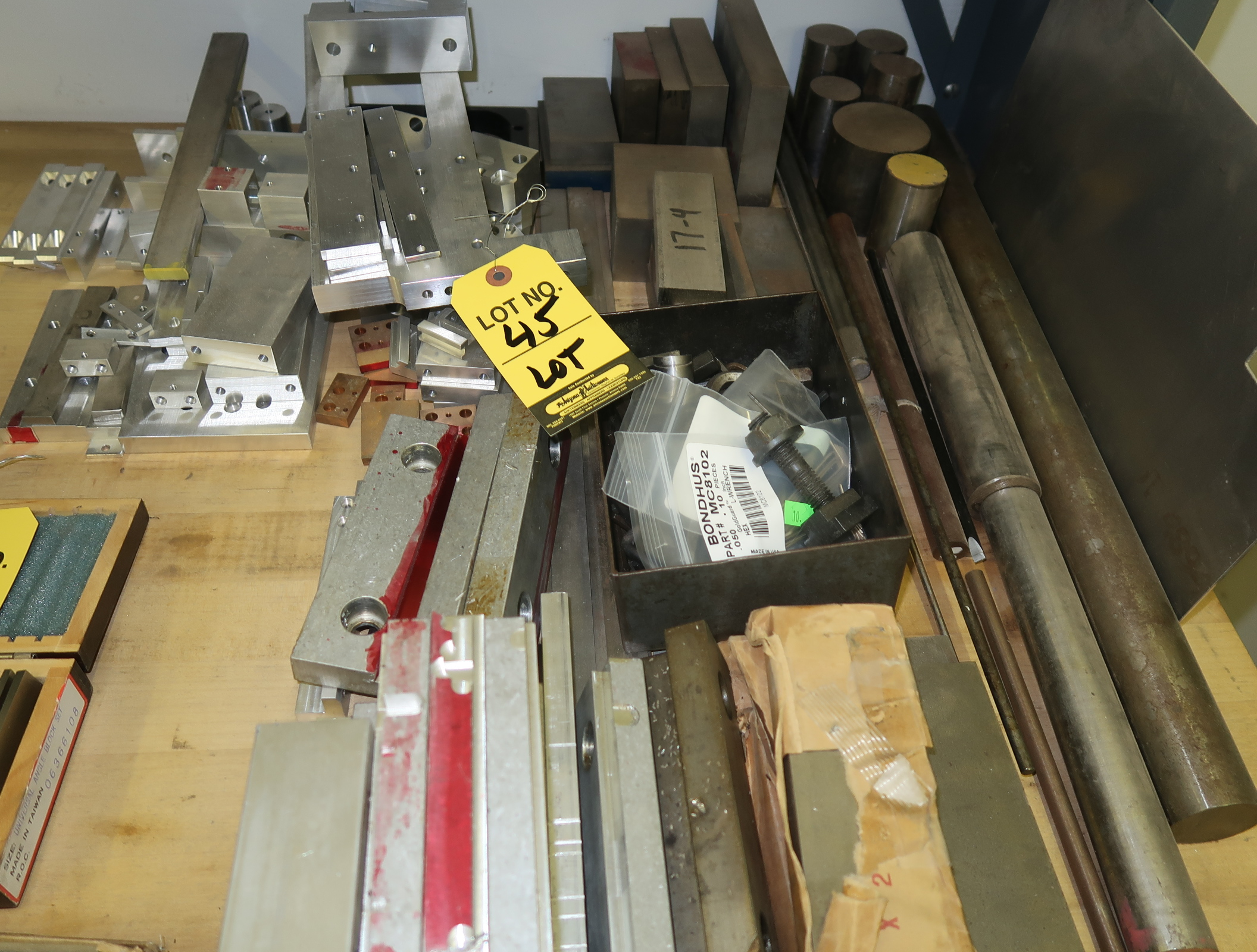 Lot 45 - LOT ASST. ALUMINUM & STEEL MATERIAL ON TABLE