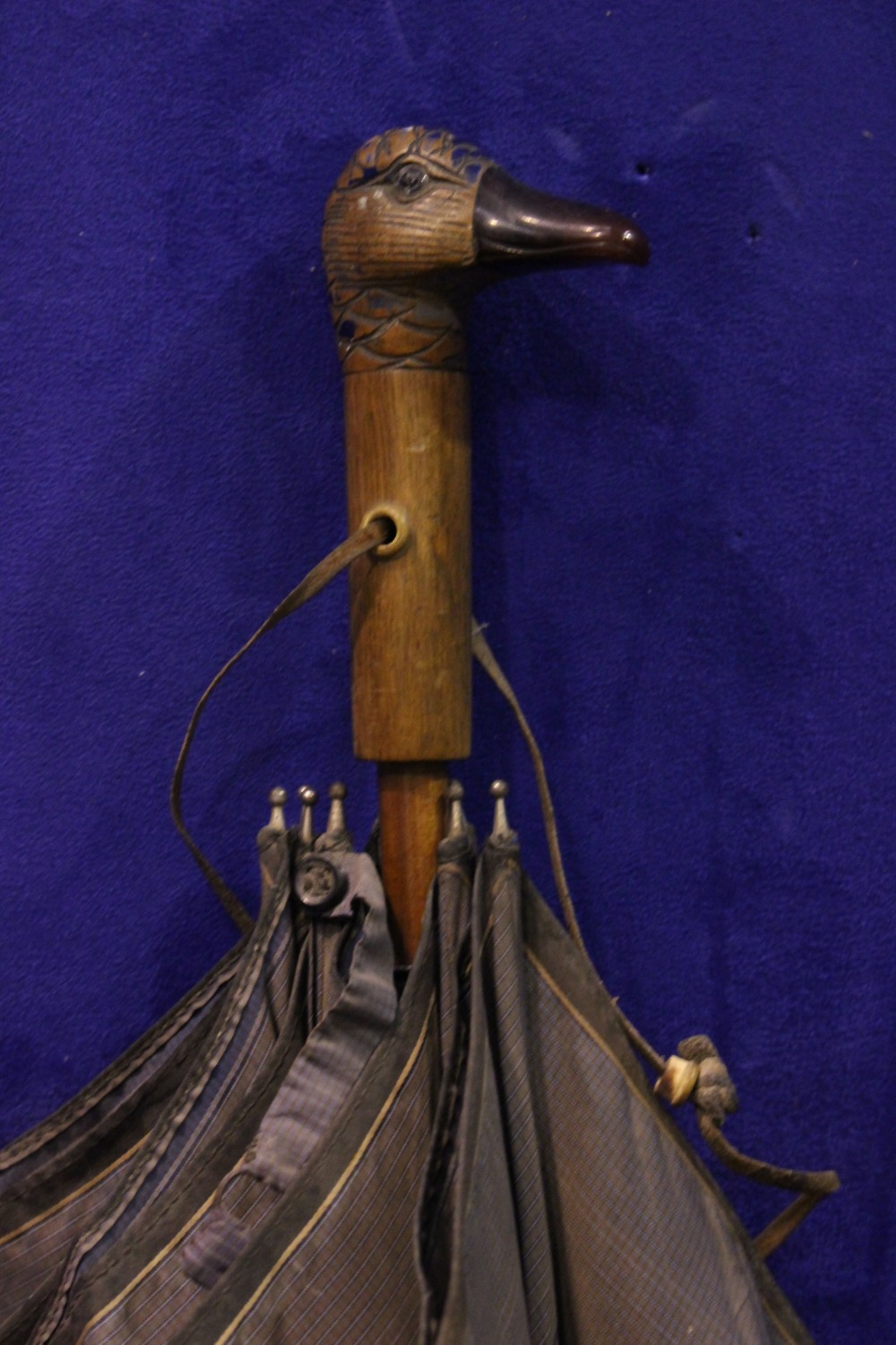 """A LADY'S PARASOL / UMBRELLA, with carved duck head handle, by the maker H. Johnson Ltd, 25"""" long, - Image 2 of 5"""