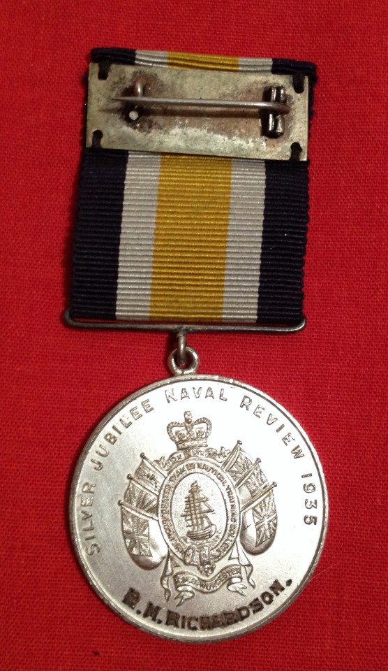 Lot 30 - 1935 Silver Jubilee Naval Review Medal