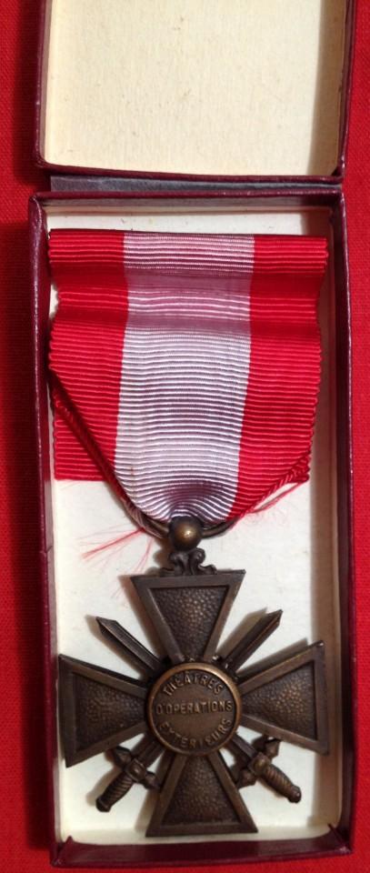 Lot 39 - French Croix de Guerre Theatres d'Operations Exterieurs - boxed