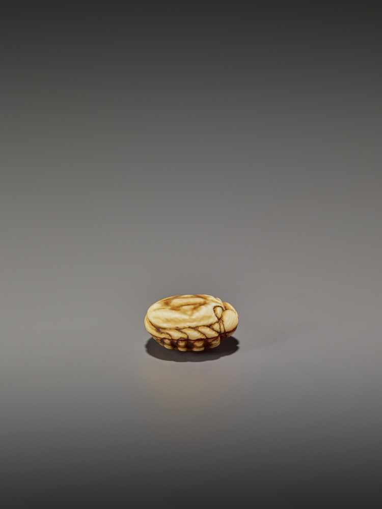 A FINELY STAINED WALRUS IVORY TWO-PART MANJU NETSUKE OF A CRAB UnsignedJapan, Osaka, early to mid- - Image 8 of 10