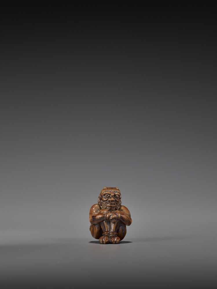 GYOKURIN: AN AMUSING WOOD NETSUKE OF RAIJIN WITH RAITARO By Gyokurin, signed GyokurinJapan, early - Image 10 of 12