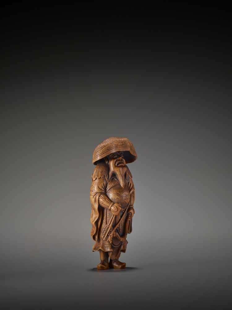 A LARGE WOOD FIGURE OF A TARTAR ARCHER Signed Tomokazu20th centuryThe wood of a reddish tone and - Image 8 of 12