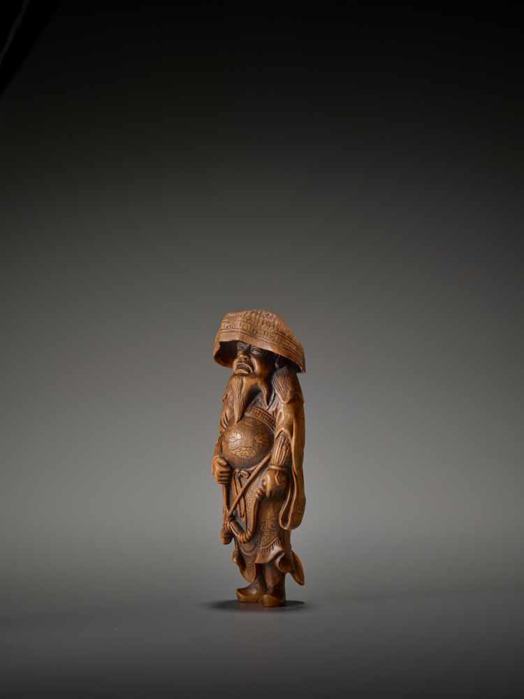 A LARGE WOOD FIGURE OF A TARTAR ARCHER Signed Tomokazu20th centuryThe wood of a reddish tone and - Image 4 of 12