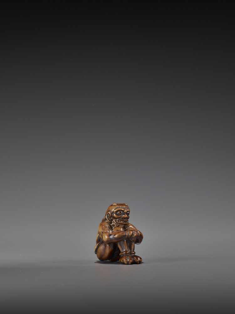 GYOKURIN: AN AMUSING WOOD NETSUKE OF RAIJIN WITH RAITARO By Gyokurin, signed GyokurinJapan, early - Image 9 of 12