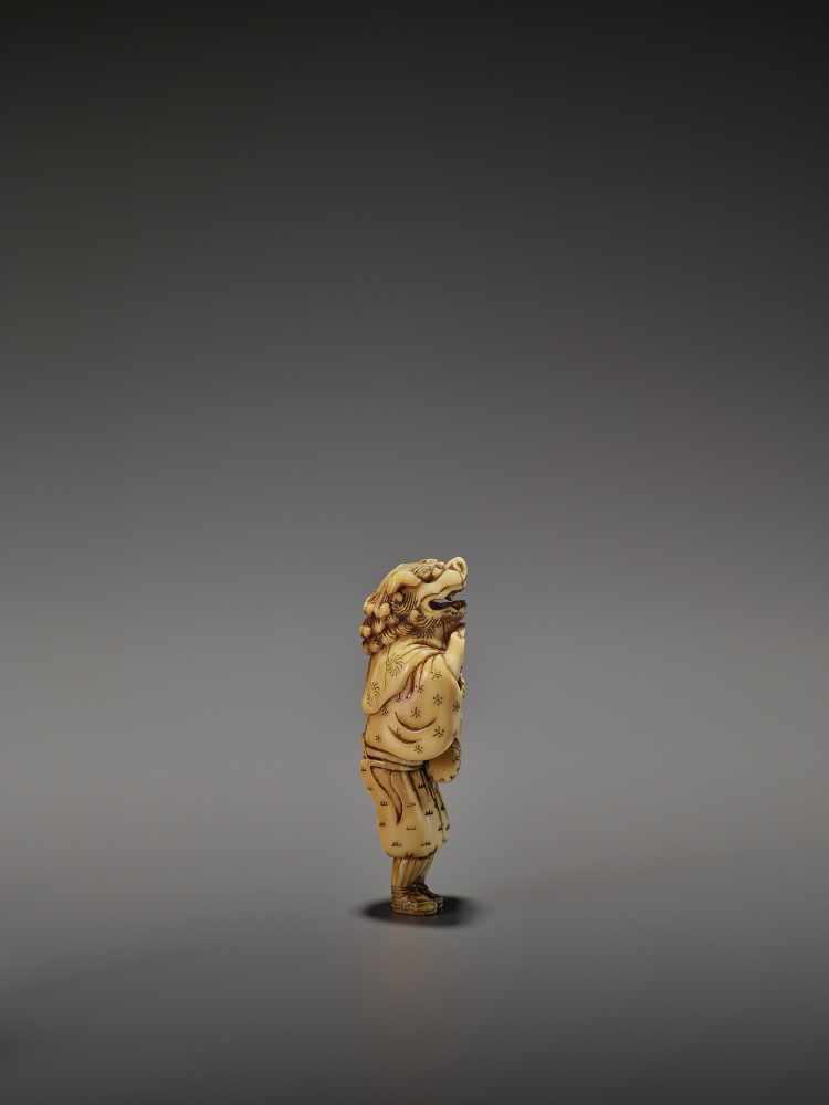 AN EARLY AND FINE IVORY NETSUKE OF A SHISHIMAI DANCER UnsignedJapan, late 18th century, Edo - Image 8 of 13