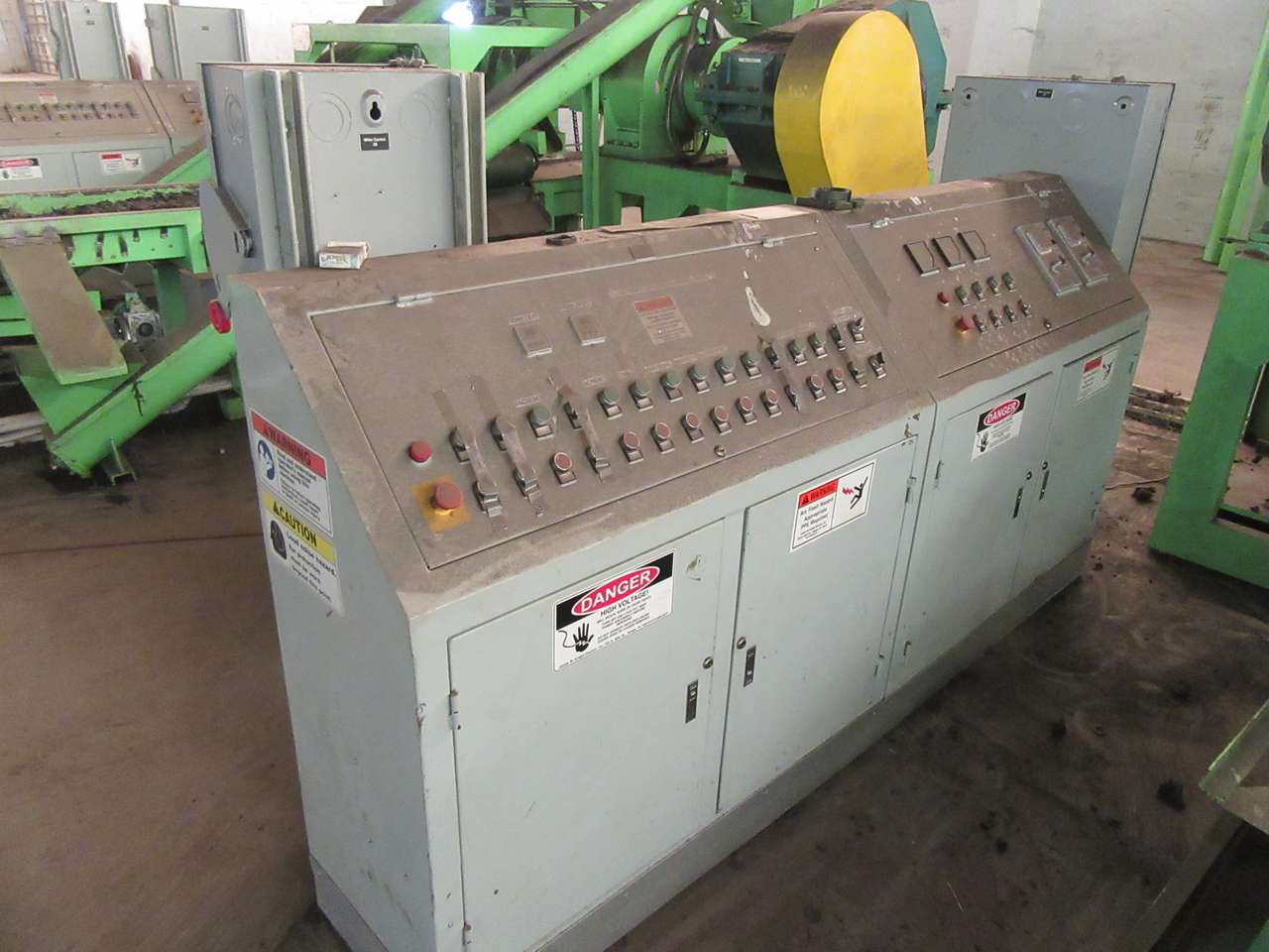 Lot 25 - 2014 Jiangyin Jinall International Trade Co. Control Panel