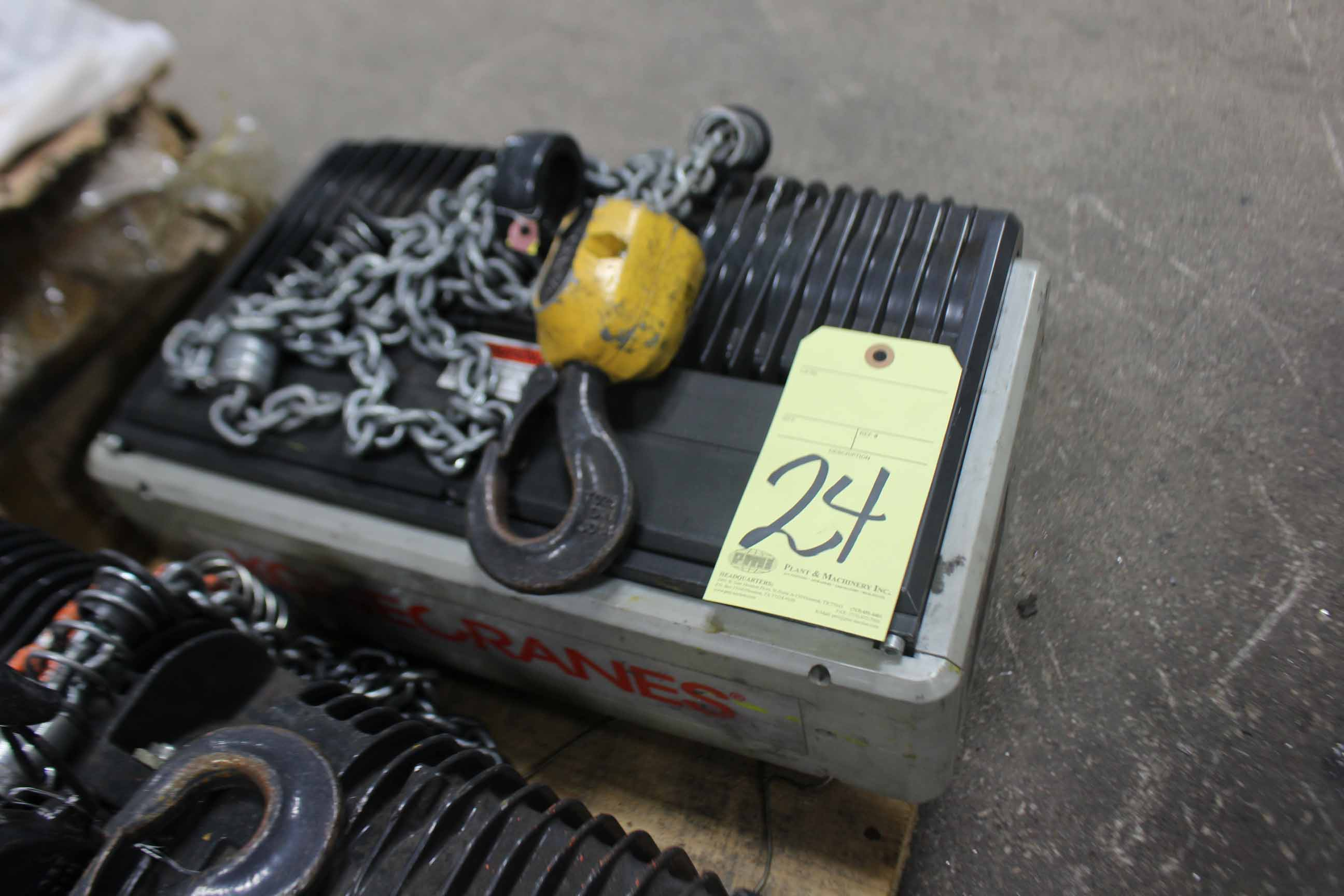 Lot 24 - ELECTRIC CHAIN HOIST, KONE CRANE 1/2 T. CAP.