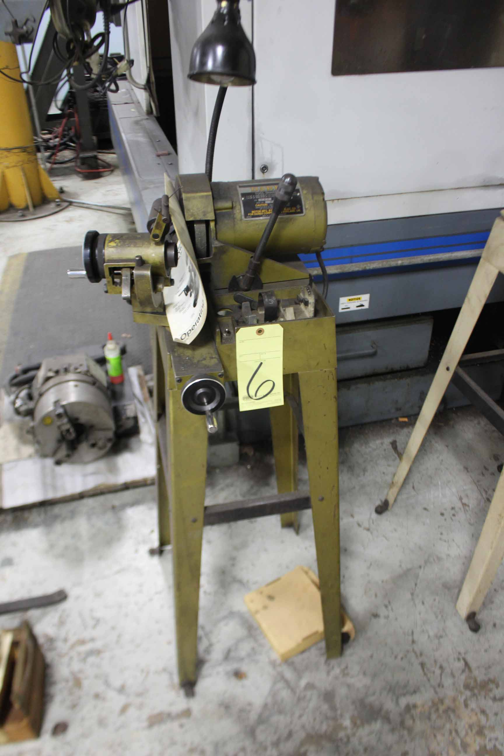Lot 6 - DRILL SHARPENER, DAREX, 1/4 HP motor, S/N 70549