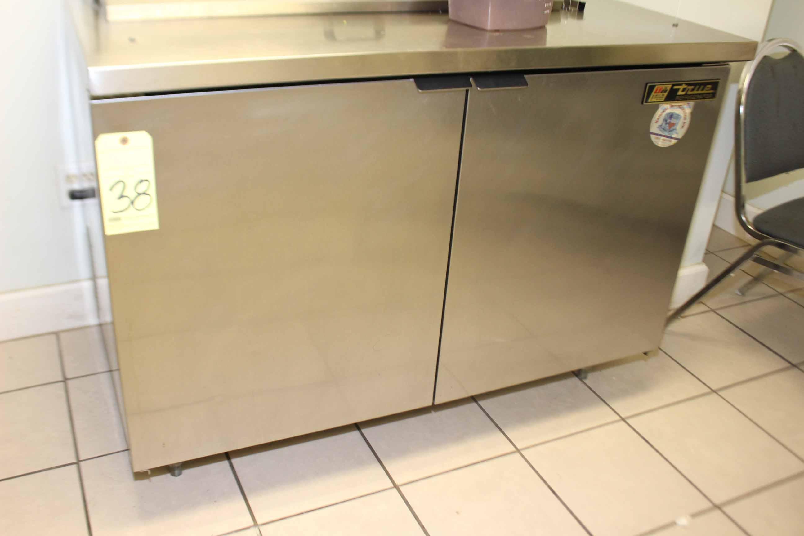 Lot 38 - LOT CONSISTING OF: prep table & True refrigerator