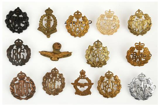 WWI & WWII Royal Air Force & Commonwealth cap badges & wings inc