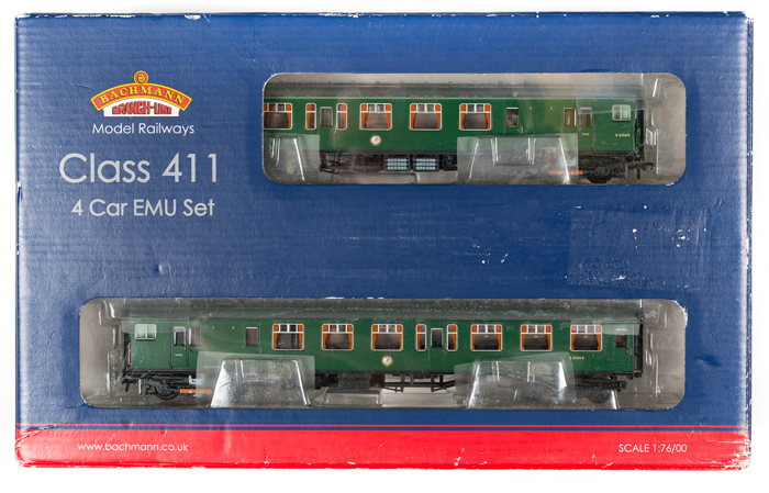 Lot 57 - Bachmann OO gauge EMU train pack. BR SR 4-CEP Electric Multiple Unit, 7141 (31-425A). In Brunswick