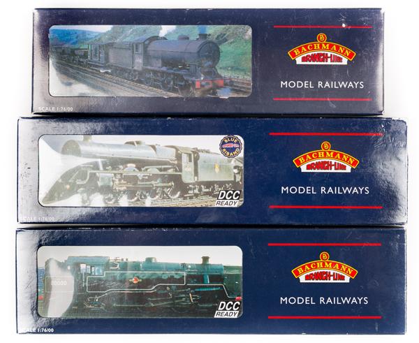 Lot 51 - 3 Bachmann OO gauge locomotives. BR Jubilee class 4-6-0 tender locomotive, Hong Kong, 45611 (31-