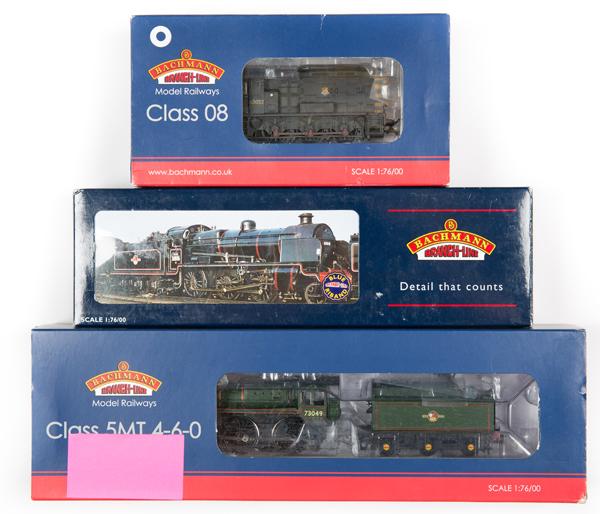 Lot 49 - 3 Bachmann OO gauge locomotives. BR Standard Class 5MT 4-6-0 tender locomotive, 73049 (32-508). In