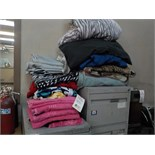 LOT: ASSORTED SHEETS, BLANKETS & TOWELS