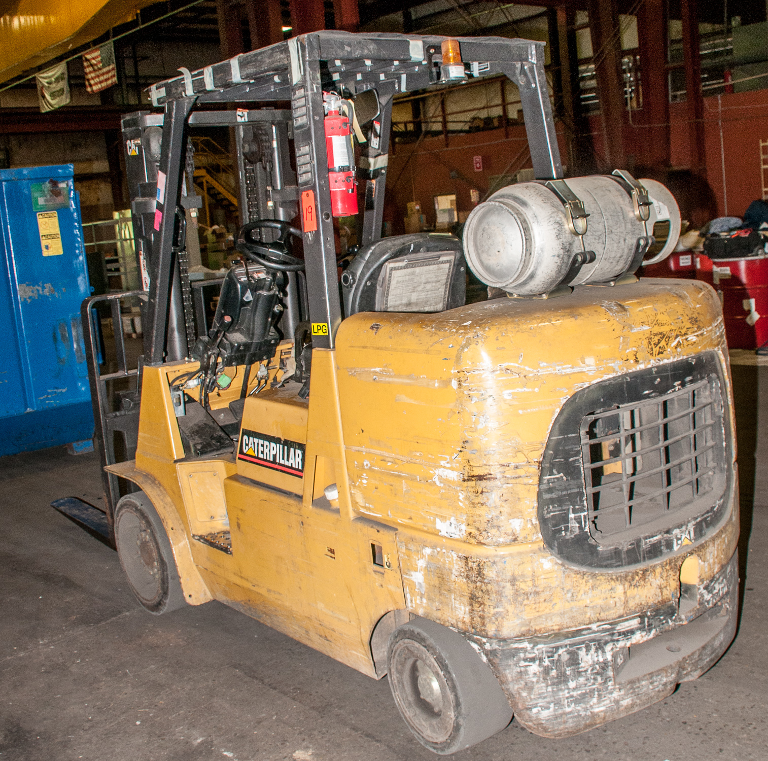 """Cat LP Forklift Mdl F-254628, s/n AU2187, Solid Tires, 10,000 lb. Cap. 48"""" forks, 2 Stage Mast - Image 3 of 4"""