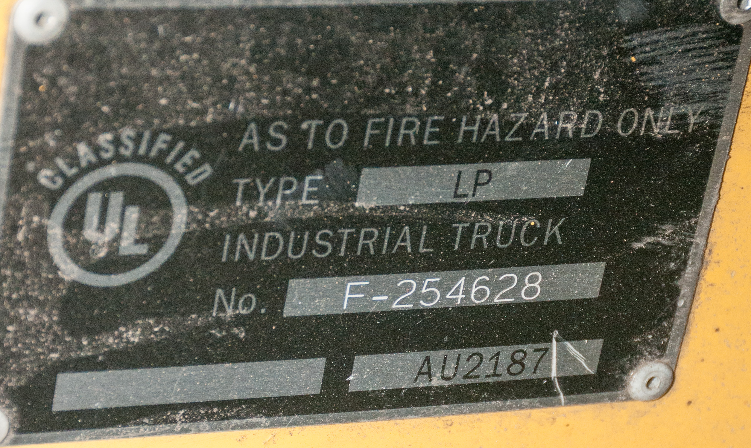 """Cat LP Forklift Mdl F-254628, s/n AU2187, Solid Tires, 10,000 lb. Cap. 48"""" forks, 2 Stage Mast - Image 4 of 4"""
