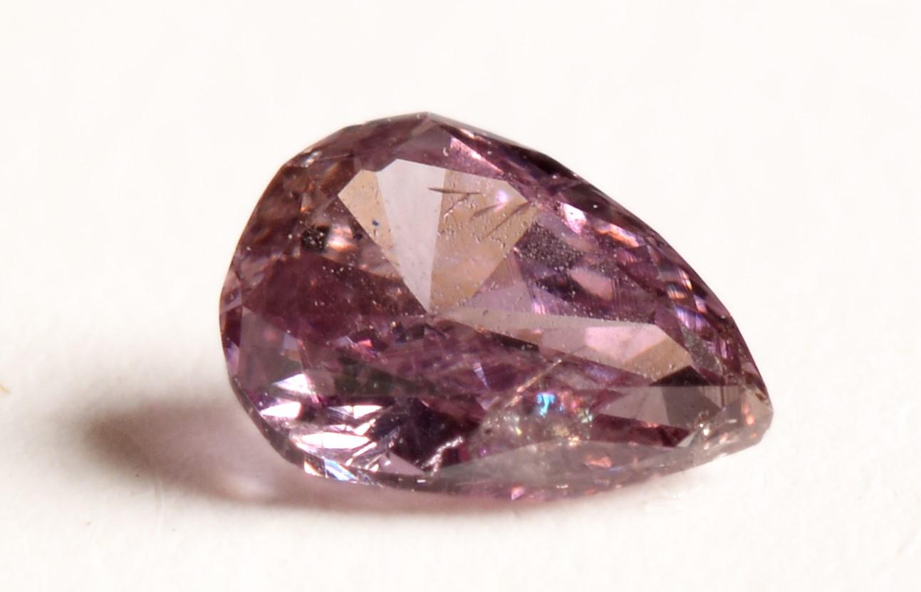 Lot 522 - Fancy pink diamond