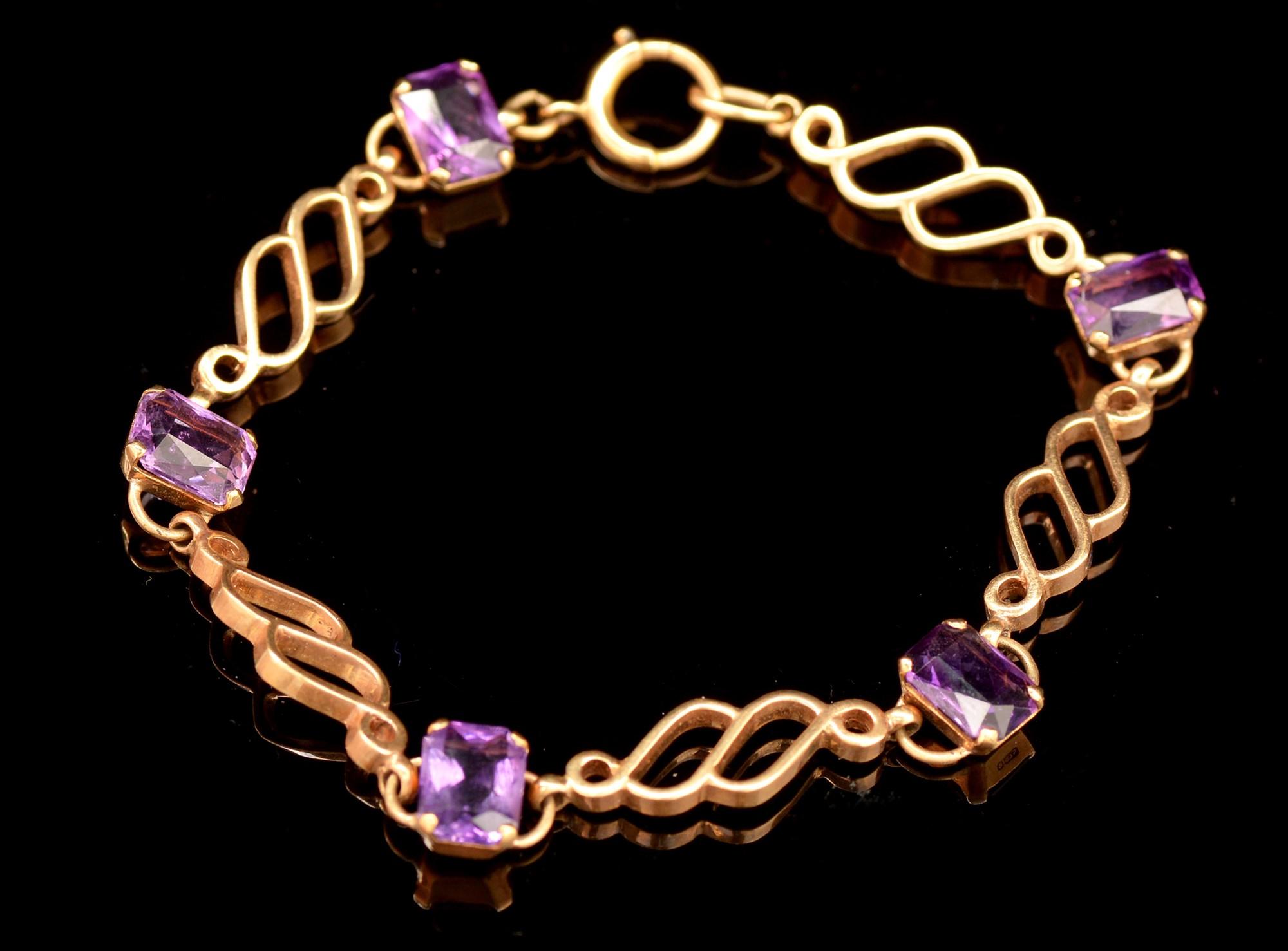 Lot 484 - Amethyst bracelet