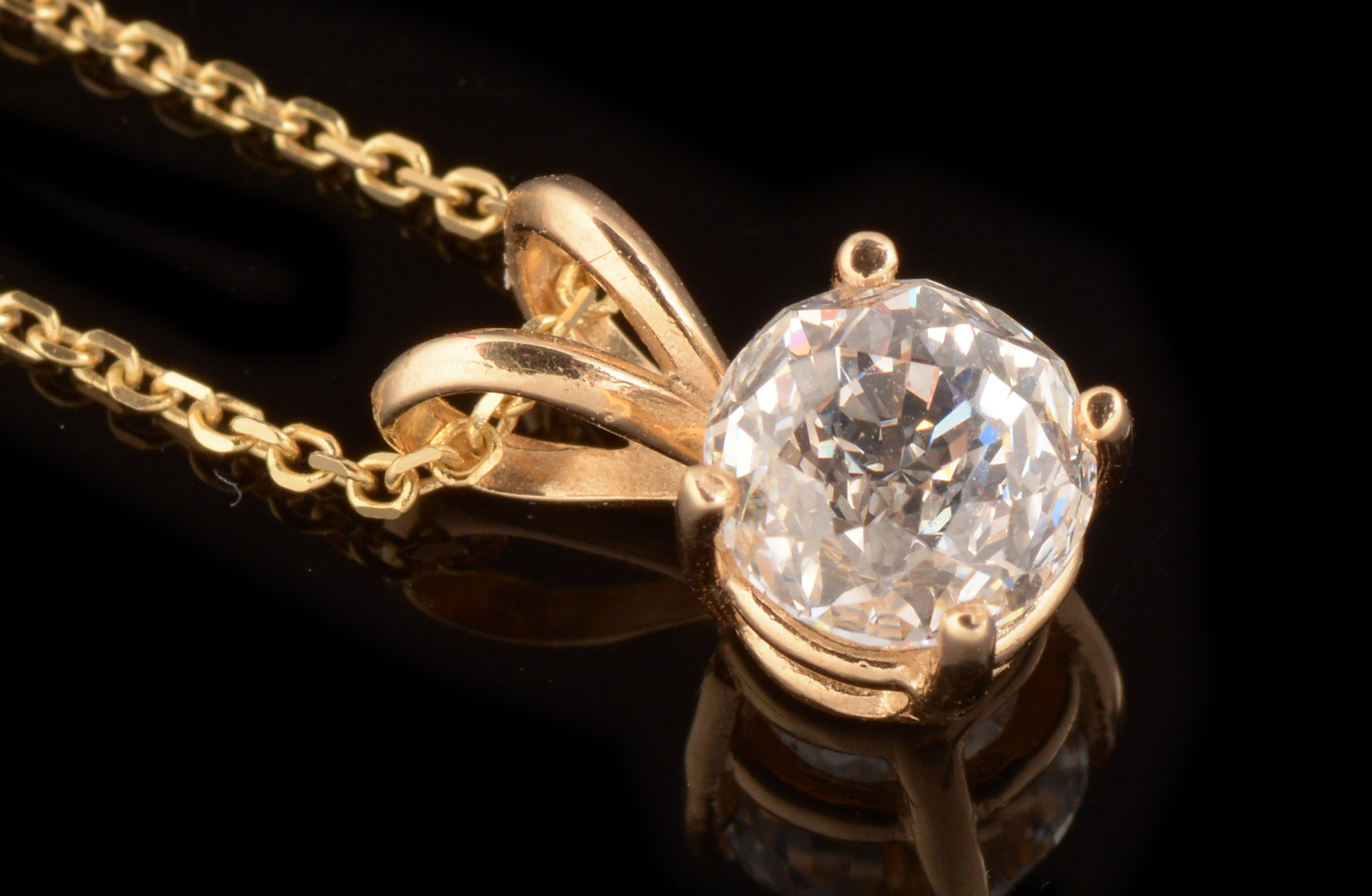Lot 490 - 1.64 carat internally flawless diamond pendant