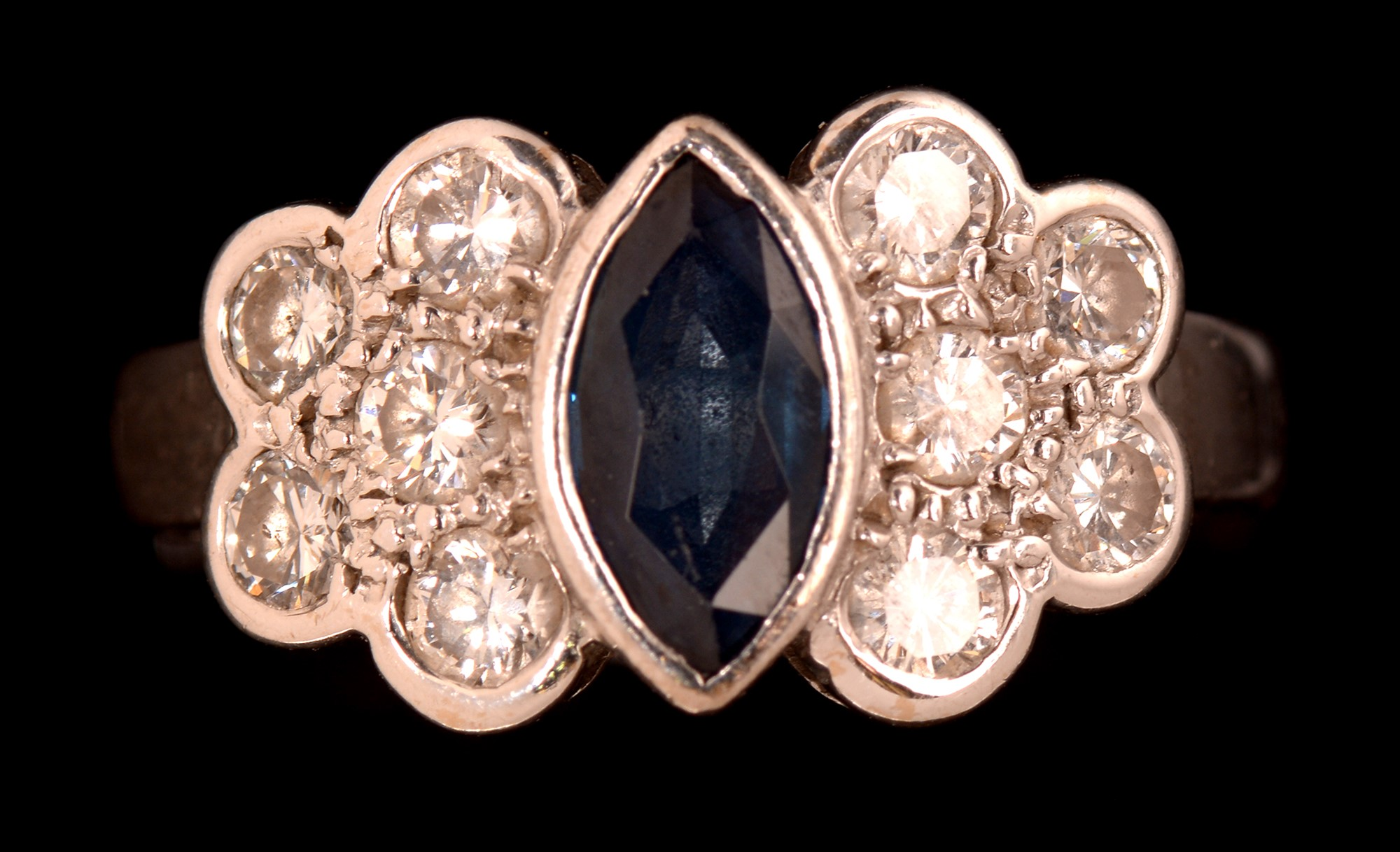 Lot 488 - Sapphire and diamond ring